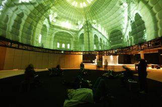 Projektion in einer Kuppel