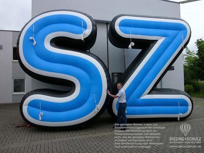 Riesen-Buchstaben