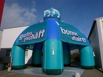 Aufblasbarer Pavillon für Deichmann