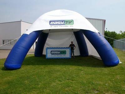 Aufblasbarer Pavillon für easy.tv