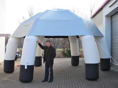 Aufblasbarer Pavillon, sechsbeinig