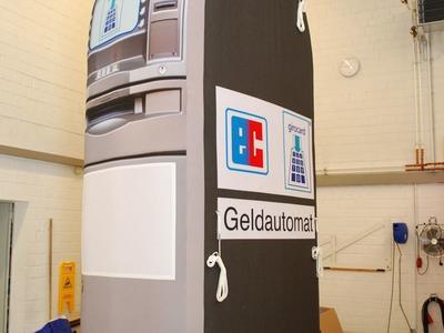 Aufblasbarer Werberiese – Geldautomat