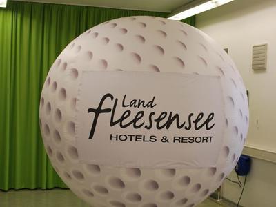 XXL Golfball
