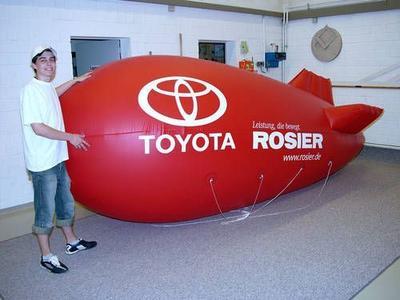 Helium-Zeppelin für Toyota